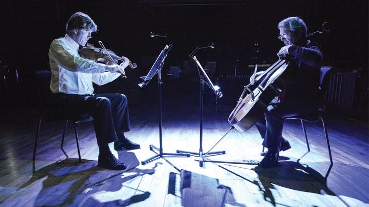 Chris Yates and Uli Heinen playing Music to Go